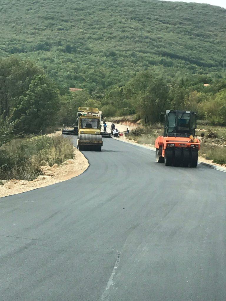 Započelo asfaltiranje prometnice Kljenovac-Lokvičići
