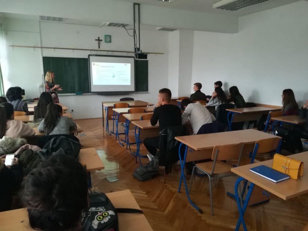 Učenicima imotske Gimnazije održano predavanje o laboratorijskoj medicini