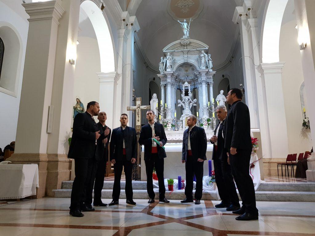 KOMENTAR: Predivna Božićna večer u imotskoj crkvi