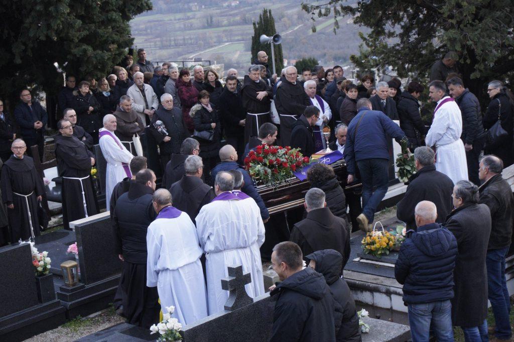 Pokopan je fra Vinko Prlić