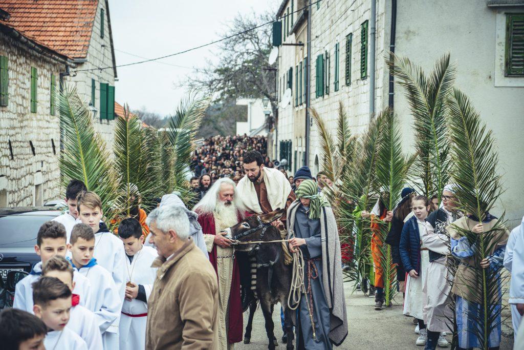 Više od tisuću Imoćana u procesiji na Cvjetnicu