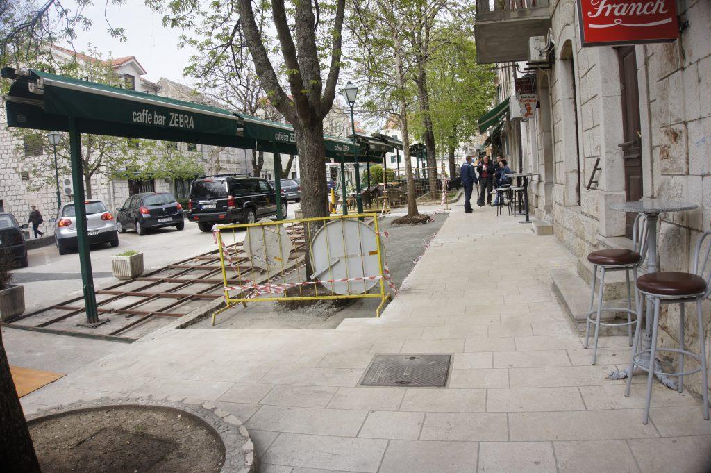 Glavna imotska ulica uskoro bi mogla ostati bez zelenih otoka