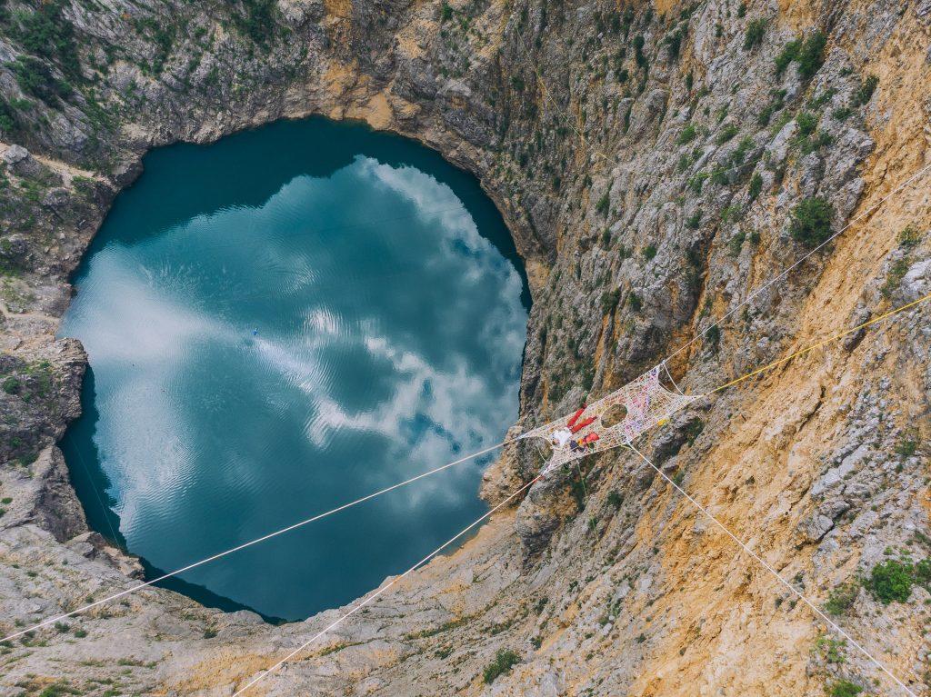 FOTO: Pogledajte kako su izgledali jučerašnji skokovi u Crveno jezero