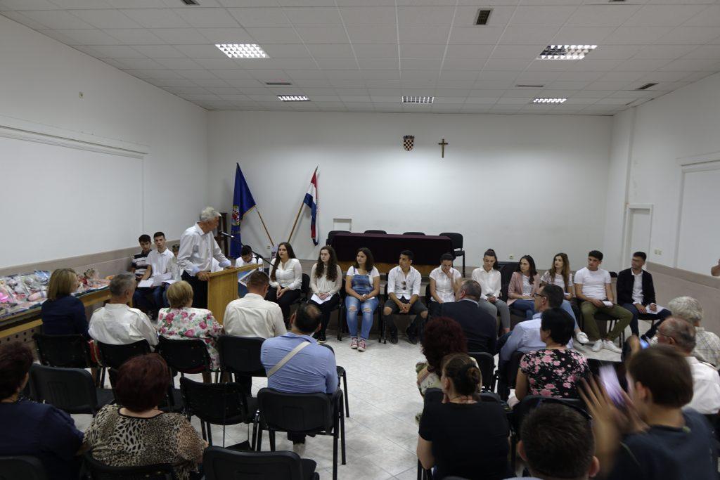 Uručene diplome polaznicima tečaja engleskoga jezika, organiziranoga od strane UHDVDR