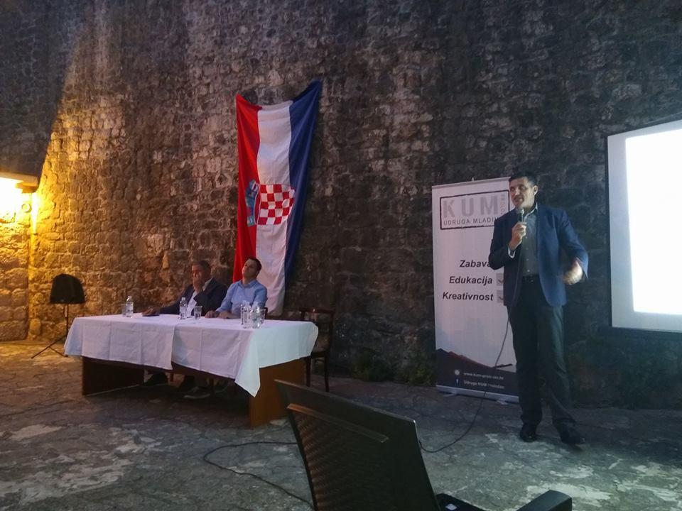"""Održana je tribina """"Hrvatski nacionalni identitet i EU"""""""