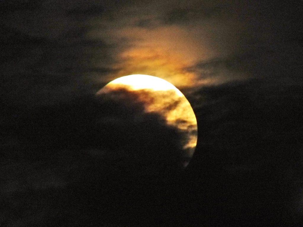 FOTO: Pomrčina Mjeseca iznad Ciste Provo