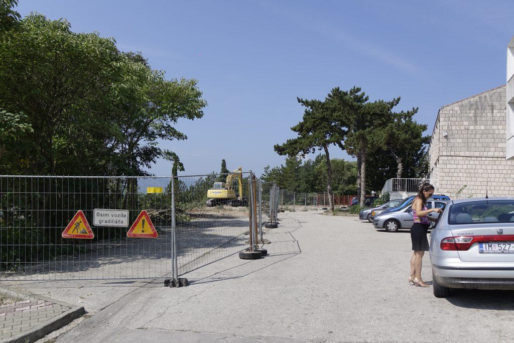 Započela izgradnja parkirališta s južne strane Doma zdravlja u Imotskom