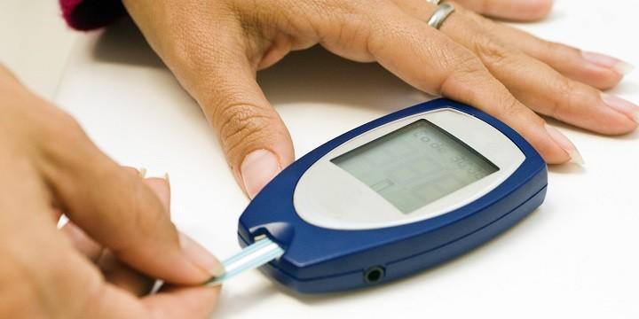 Predavanje i besplatna kontrola razine šećera u krvi i krvnog tlaka