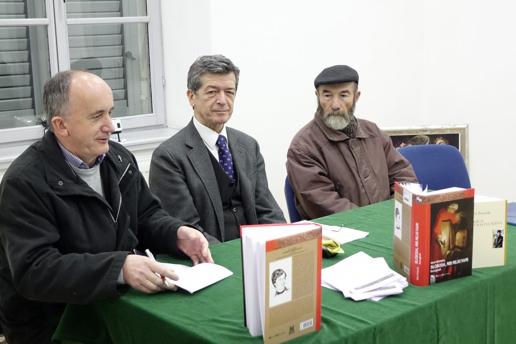 "Predstavljena knjiga ""Sloboda, mir meju nami-Eurogledi autora Mile Pešorde"