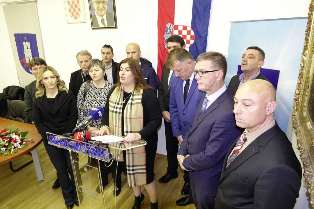 Ministrica Žalac uručila Odluku za provedbu intervencijskog plana za razvoj Imotske krajine