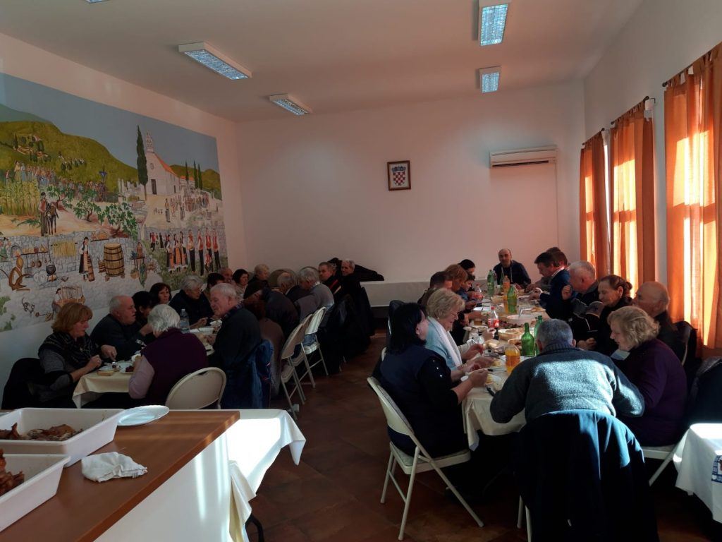 Tradicionalni organizirani ručak za stare mještane Slivna