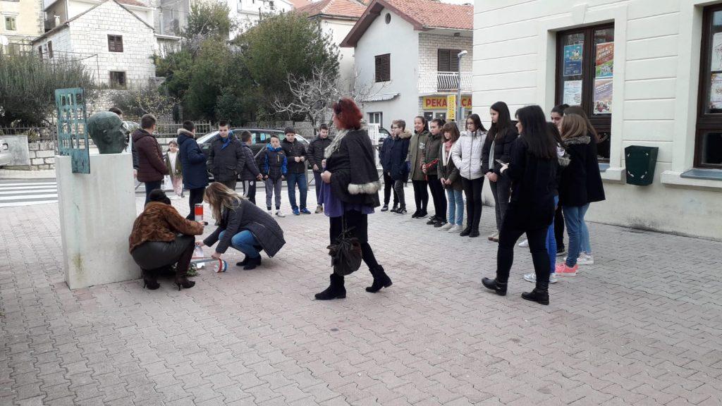 Učenici i nastavnici OŠ Josip V. Perić dali svoj obol u obilježavanju obljetnice smrti Vlade Gotovca