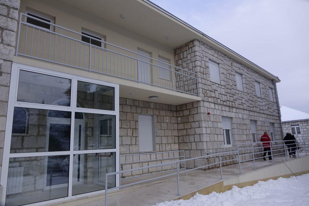 Ubrzo počinje uređenje okružja Dnevne bolnice u Zagvozdu