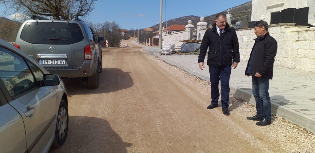 Dožupan Šošić u inspekciji radova na prometnici Krstatice – Slivno