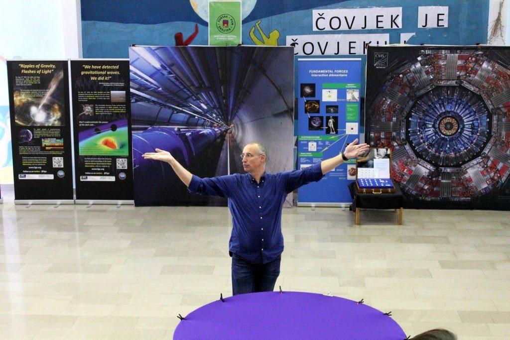 Međunarodni istraživački dan za učenike; Imotski srednjoškolci traže nove čestice