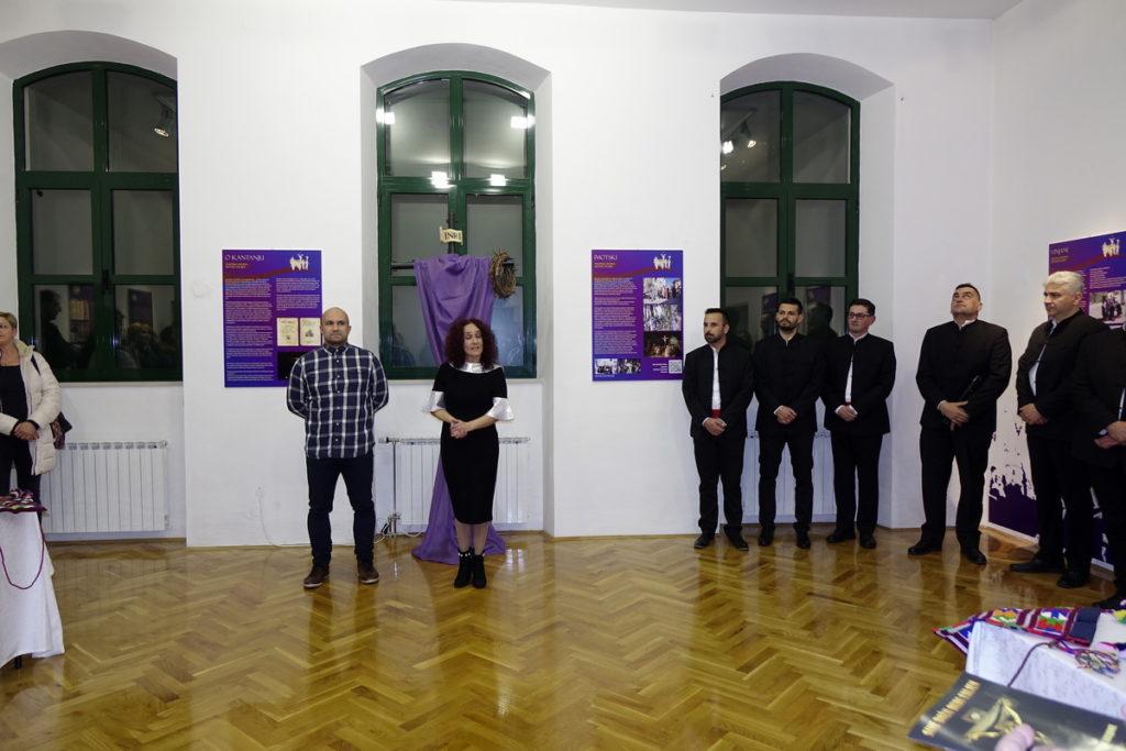 """U Zavičajnom muzeju otvorena izložba """"Dva pasionska fenomena Imotske krajine"""""""
