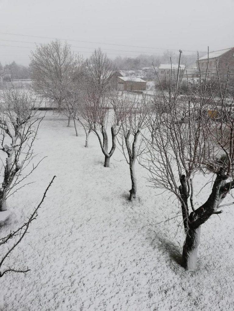 Promjena vremena donijela snijeg u Imotskoj krajini