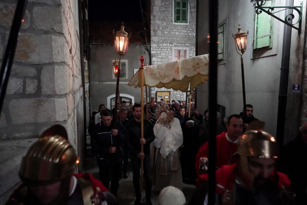 Održane procesije Križnog puta diljem Imotske krajine