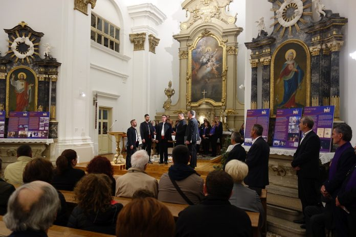 """Koncert """"Uputi se tužna mati"""" održan u Slavoniji"""