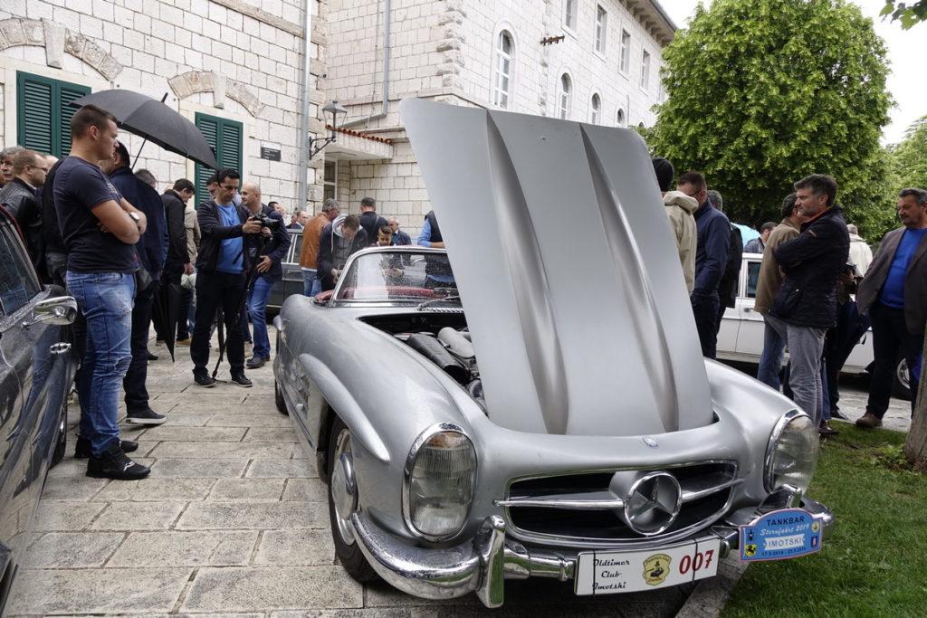 Skup najnovijih Mercedesa u Imotskom