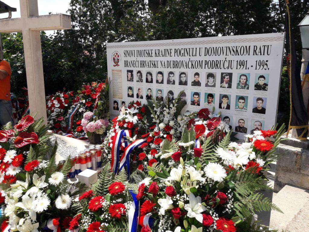 Obilježavanje 22. obljetnice podizanja Spomen obilježja i 27. obljetnice deblokade Golubovog kamena u Trstenom