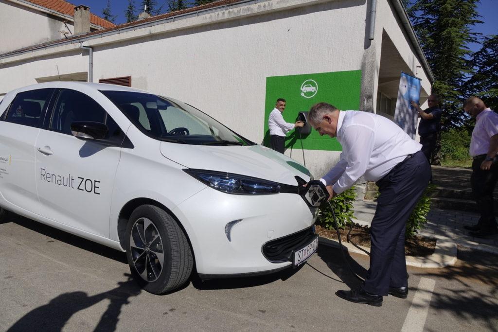Imotska krajina dobila prvu punionicu za električne automobile
