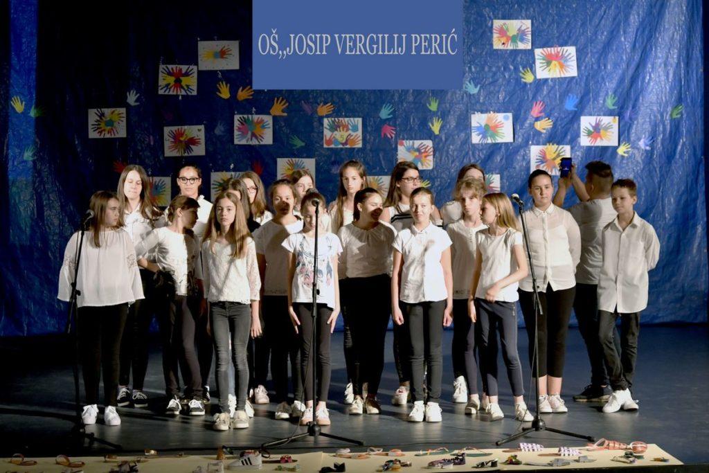 "Školski zbor OŠ ""Josip Vergilij Perić"" nastupa na Festivalu ""Mali Split"""
