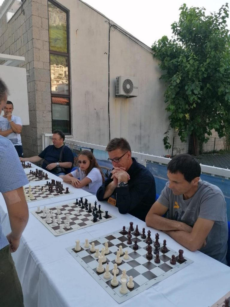 Šahovska simultanka pobudila veliko zanimanje