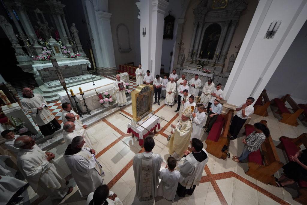 U 18 sati procesija, misu na Topani predvodi provincijal Bosne Srebrne fra Jozo Marinčić