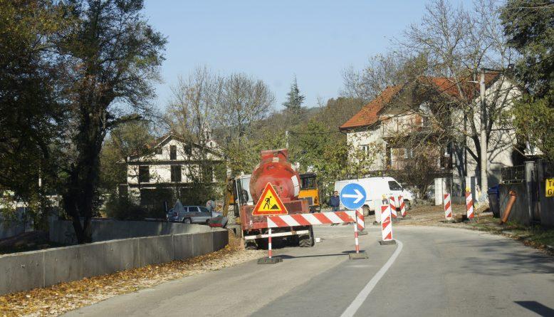 Nastavak uređenja županijske prometnice Glavina-Proložac kod Zelene katedrale