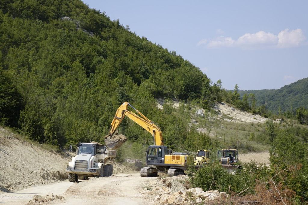 Rekonstrukcija ceste Cera-Ričice-Studenci u punom pogonu