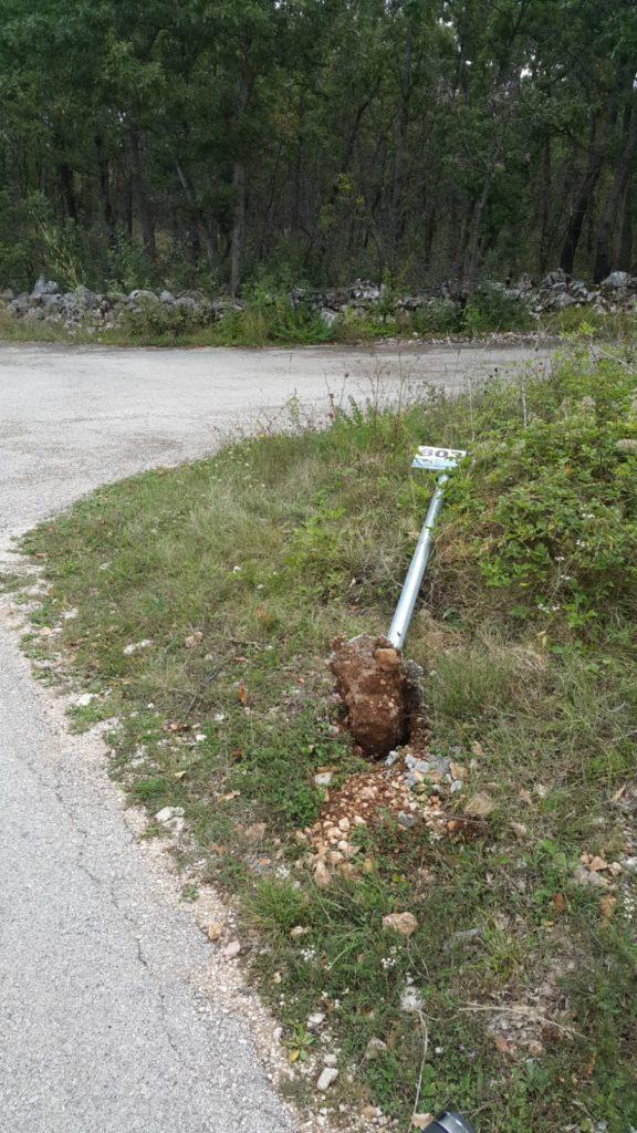 Iščupana četiri znaka na biciklističkim stazama