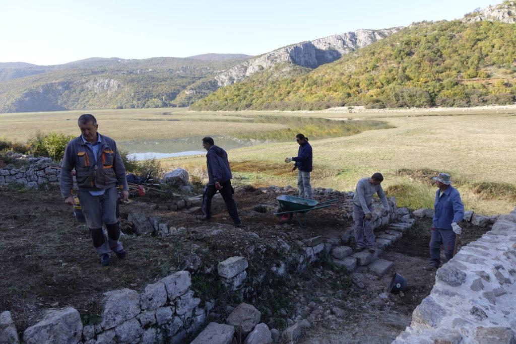 Na otočiću Manastiru arheološki radovi