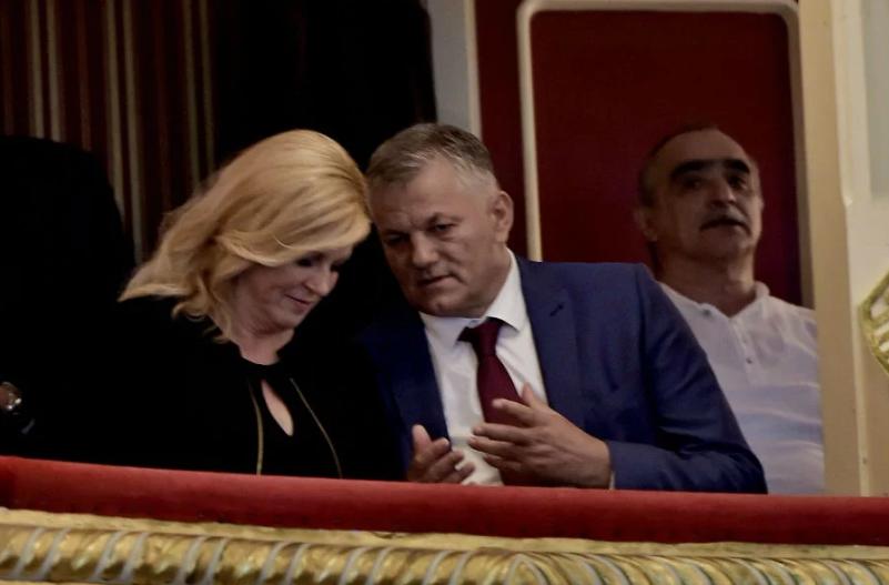 'U jednom trenutku život je bio noćna mora!': Ivanu Gudelju u Splitu se dugo pljeskalo, film je gledao u loži s Kolindom