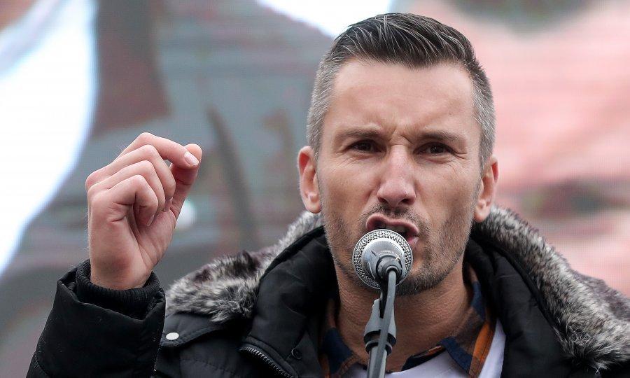 Pjesnik iz Imotske krajine: Upoznajte nastavnika po čijem će se strastvenom govoru pamtiti prosvjed prosvjetara