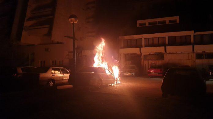 Imotski: Zapalio se automobil u ulici Bruna Bušića