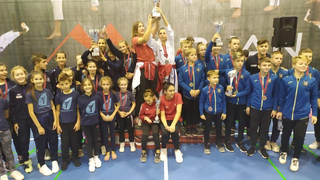 Tri pehara za Taekwondo klub Imotski