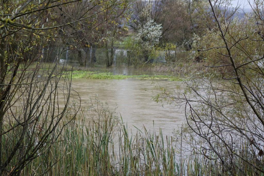 Palo više od 150l kiše na prostorni metar – vodu za piće obvezno prokuhavati