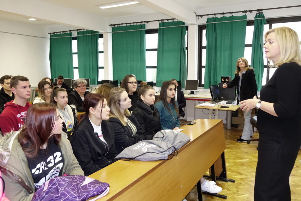 Europarlamentarka Željana Zovko u Obrtničko-industrijskoj školi