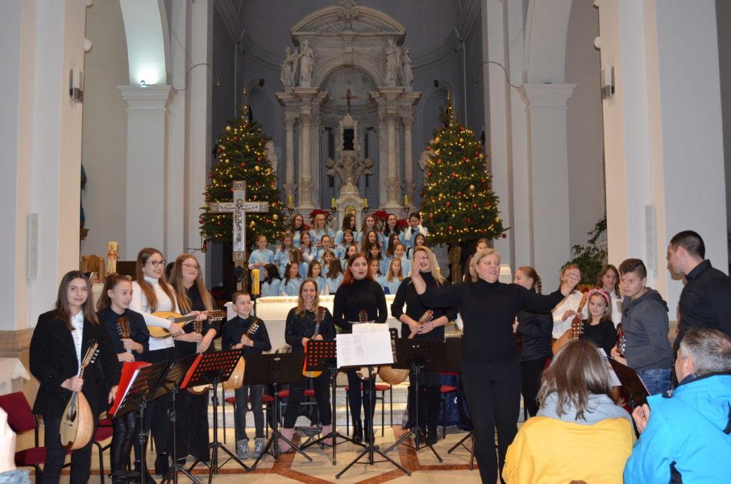 Tradicionalni božićni koncert u crkvi Sv. Franje u Imotskom