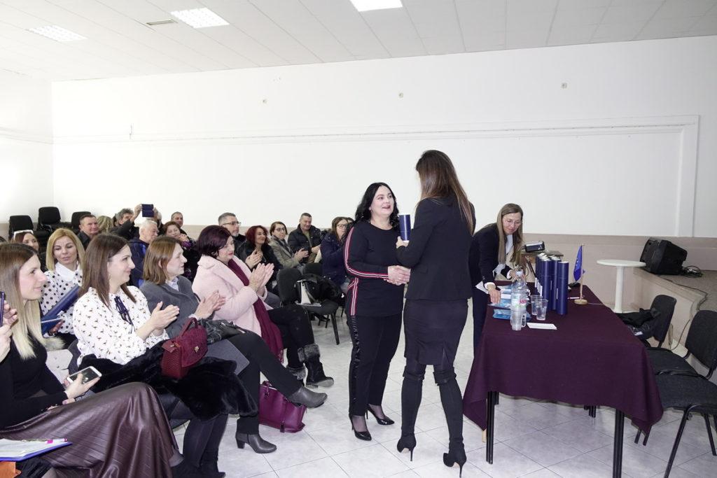 Svečano uručena uvjerenja o osposobljavanju pomoćnicama u nastavi