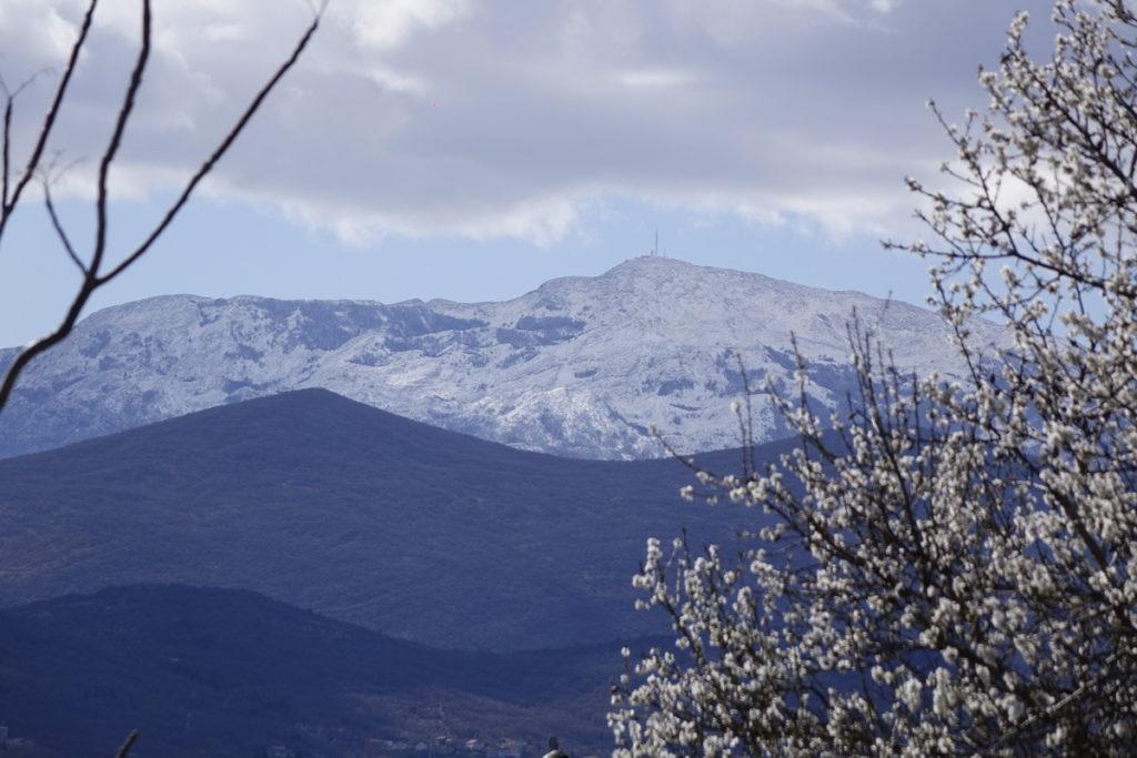 20 centimetara novog snijega na Biokovu