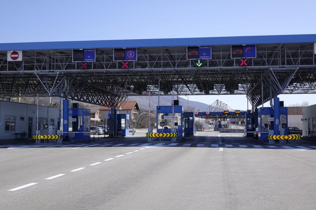 Nema više kupovine u BiH: Građani Hrvatske mogu prenijeti samo do 300 kn robe preko granice