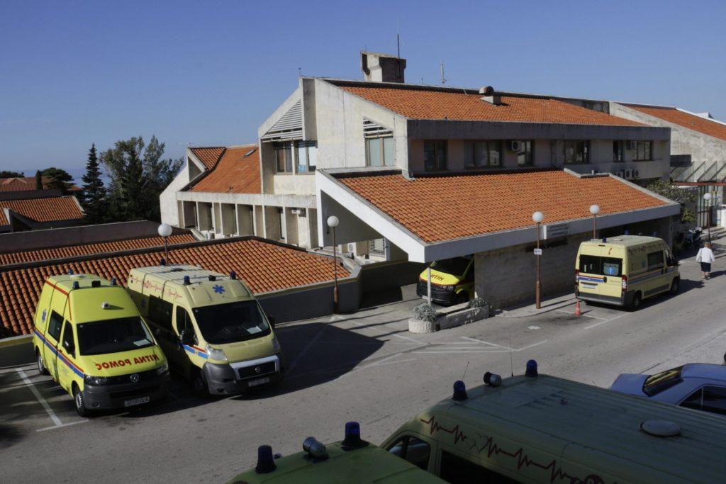 Četvorica mladih liječnika iz Imotske krajine prvi se odazvali na poziv za rad u 'korona-ambulantama': Na sve smo spremni, od trijaže do pregleda