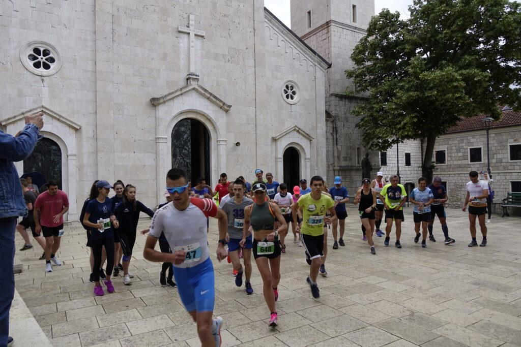 Cestovna utrka-Tri crkve i tri jezera