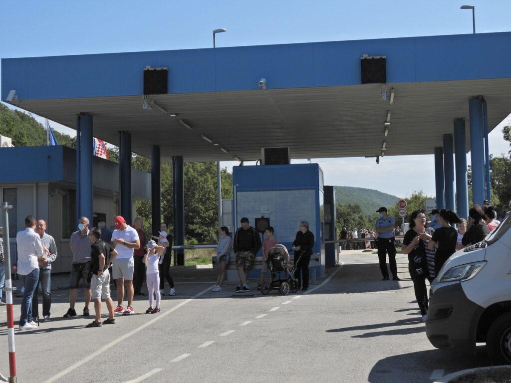 Prosvjed na malograničnom prijelazu  Vinica-Aržano