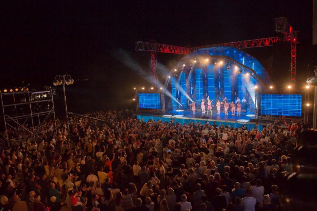 Poznati izvođači 13. CMC festivala Vodice 2021. powered by Calzedonia!