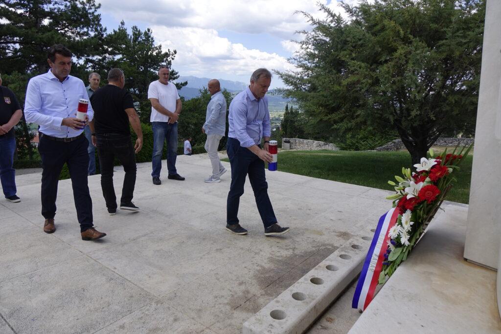 Gradonačelnik Dukić posjetio Imotski i položio vijenac za poginule branitelje