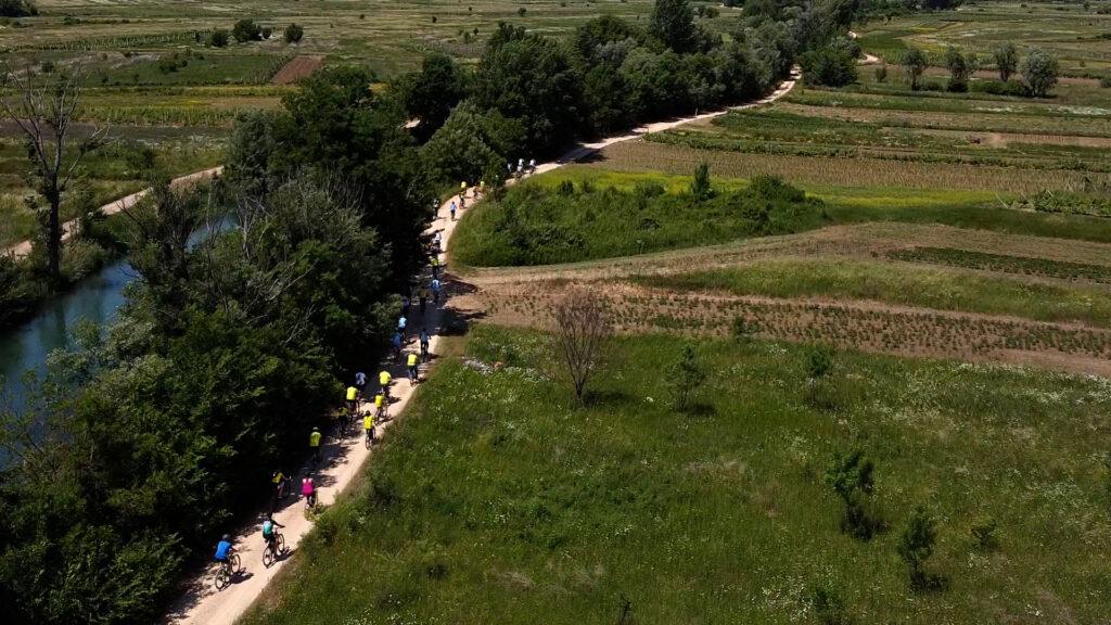 Imota Bike & Wine 2021.: Bicikliranje uz degustaciju vina imotskog vinogorja