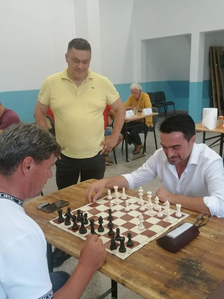 Pjevač Jole podržao šahovsku ligu Imotske krajine